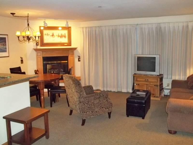 Perfectly Priced Breckenridge 1 Bedroom Ski-in - RW115 - Image 1 - Breckenridge - rentals