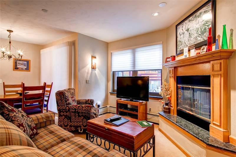 Beautifully Appointed Breckenridge 2 Bedroom Ski-in - RW117 - Image 1 - Breckenridge - rentals