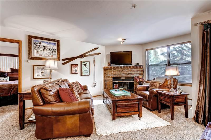 Beautifully Appointed Breckenridge 1 Bedroom Ski-in - RW202 - Image 1 - Breckenridge - rentals