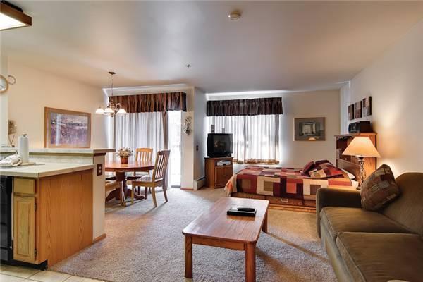 Invitingly Furnished Breckenridge Studio Ski-in - RW406 - Image 1 - Breckenridge - rentals