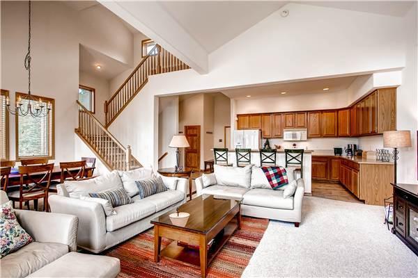 Comfortably Furnished Breckenridge 4 Bedroom Free shuttle to lift - WW164 - Image 1 - Breckenridge - rentals