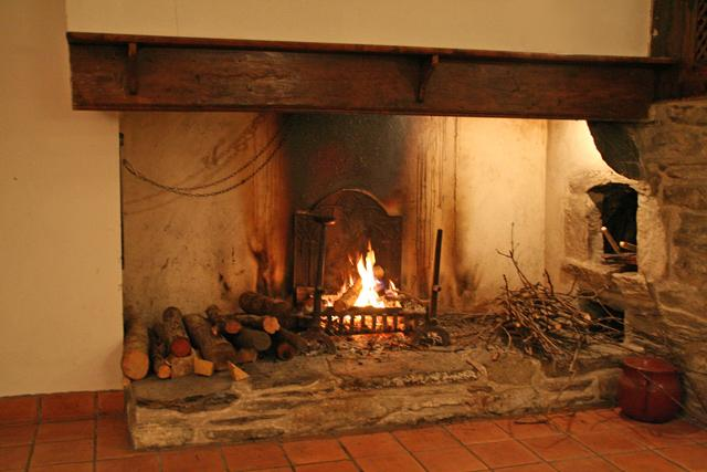 The big fire place - Comfortable Farm House at the National Park of the Pyrenees - Bareges - rentals