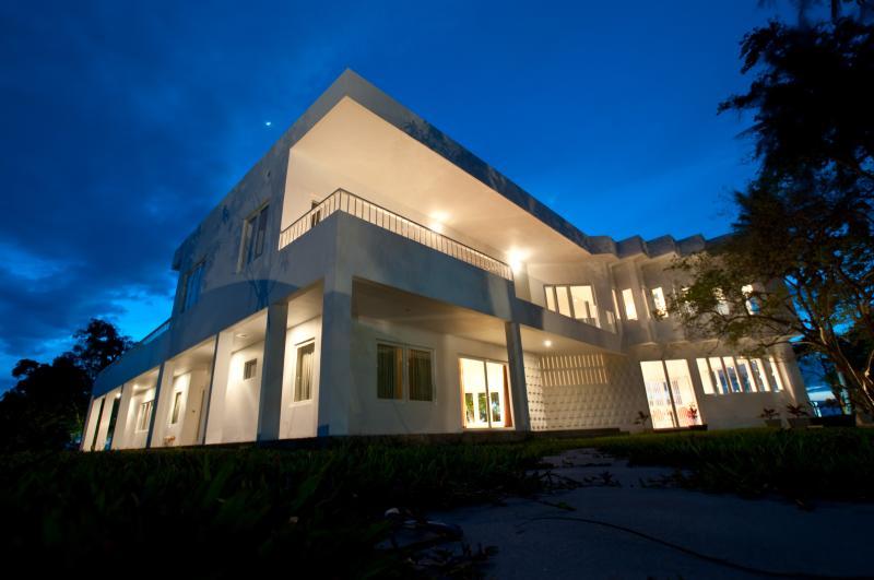 Villa Romonea - Image 1 - Kep Province - rentals