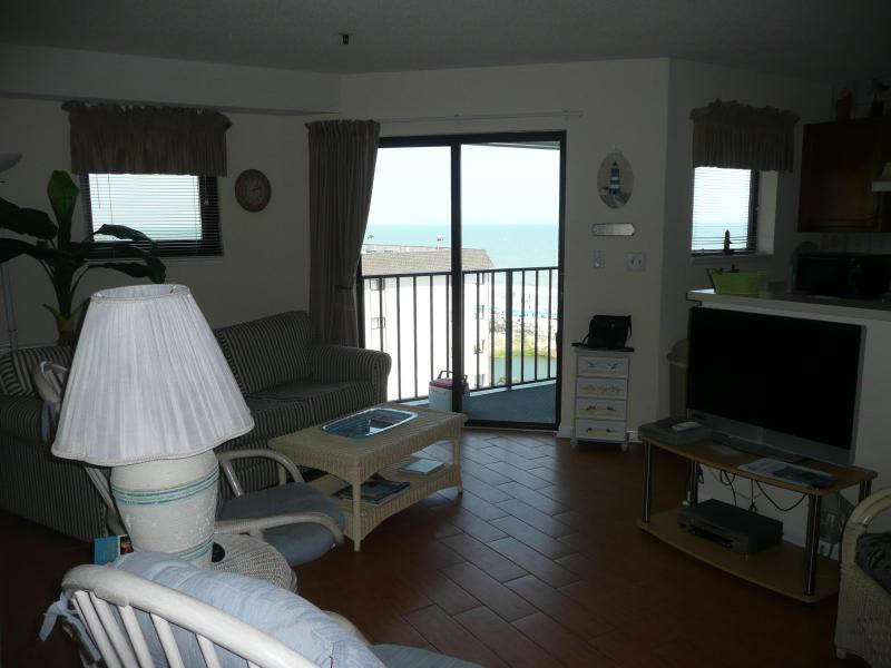 Living room - Great family vacation at the C-SHORE at MYRTLE BEACH RESORT - Myrtle Beach - rentals