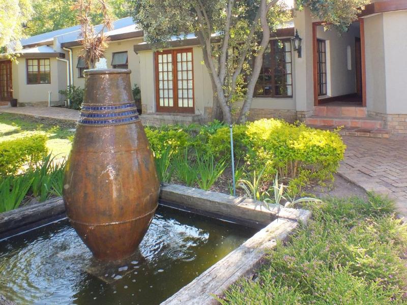 Garden & Entrance - Riad Morocco Guest House - Cape Town - rentals