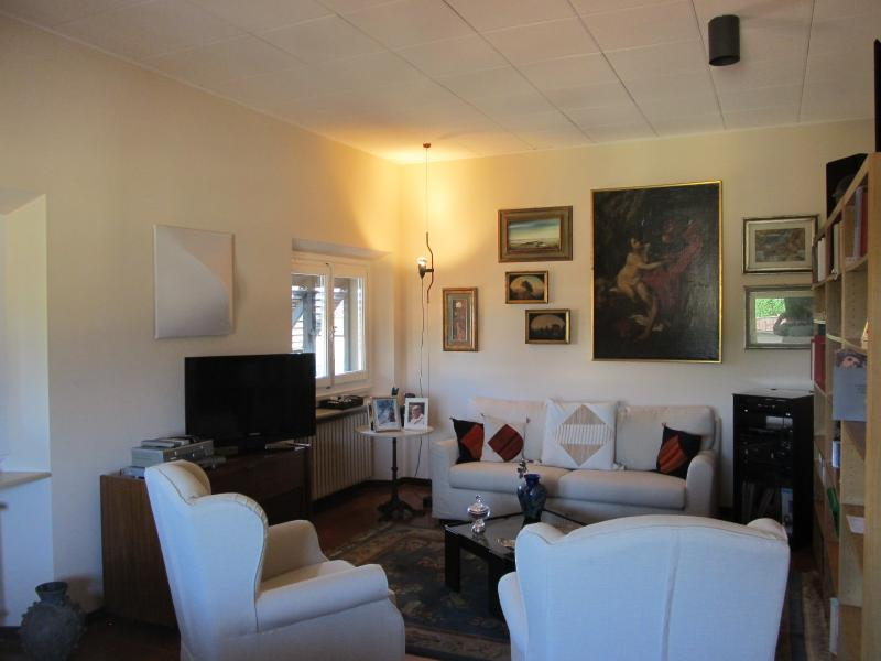 Living room - Florence historic center: elegant Apt with parking - Florence - rentals