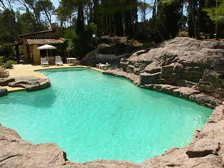 Large swimming pool with rocky surround - Villa near Narbonne Perpignan with swimming pool - Sigean - rentals