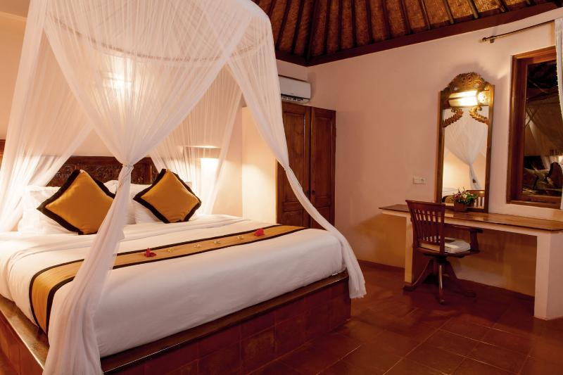 Bedroom - Romantic 1 Bedroom Villa at Seminyak - Bali - rentals