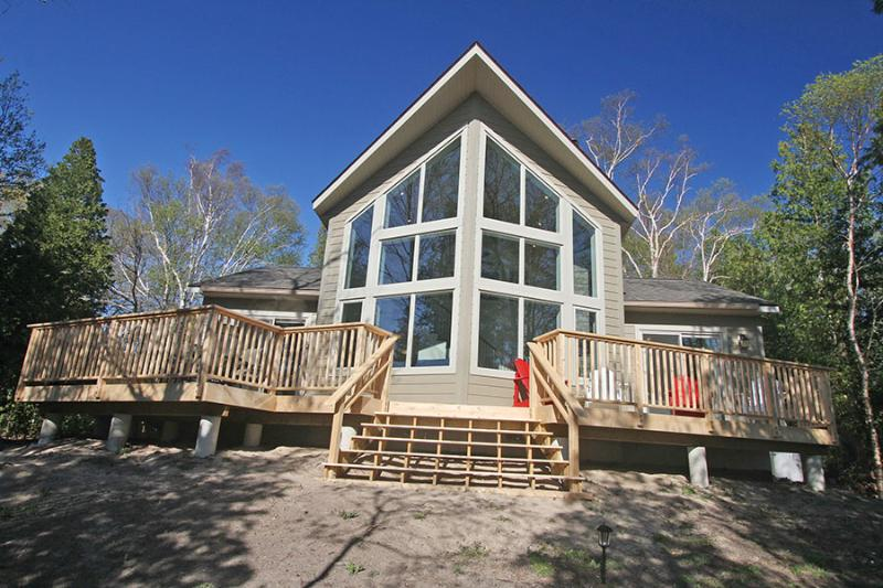 Red Bay Retreat cottage (#759) - Image 1 - Sauble Beach - rentals