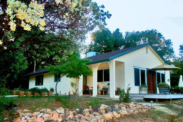 Spanish-style home atop the hill - Luxurious home near Yosemite on private mountain - Mariposa - rentals