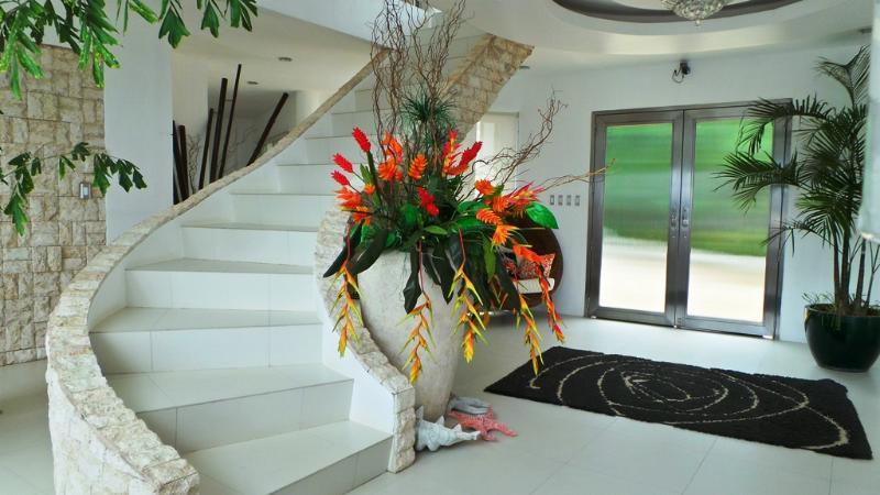 Main entrance - Malibu Mansion, Ultimate Luxury, very private - Boracay - rentals