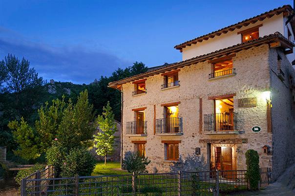 ¡Bienvenidos a Villa Liquidámbar! - Casa Rural Ecológica Villa Liquidámbar, La Rioja - Woodston - rentals