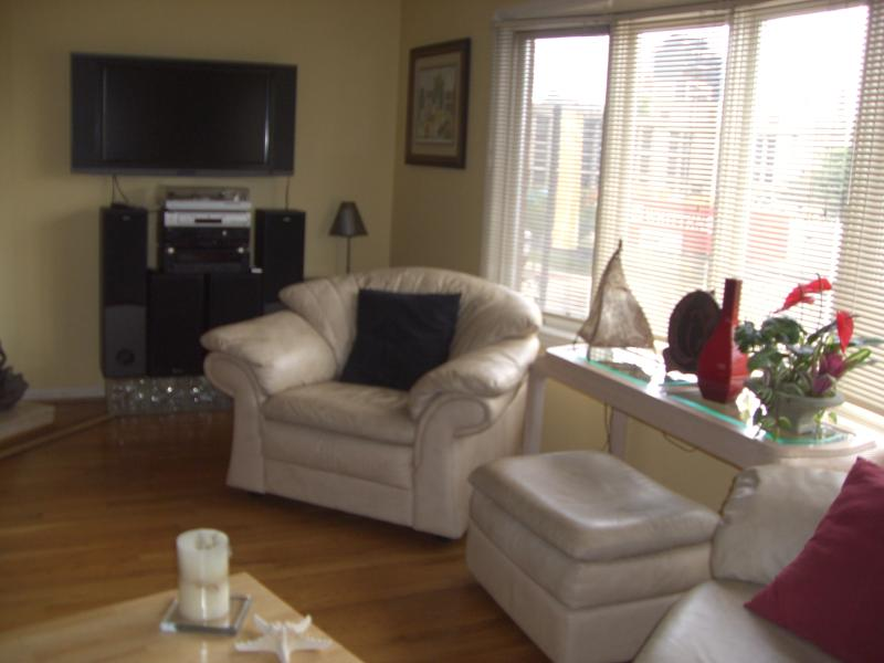 Downtown 3 Bed 2.5 Ba Elegant Townhouse 2 Car Gar - Image 1 - Louisville - rentals