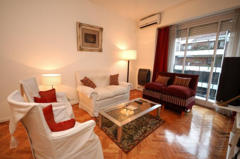 Living con salida a balcón con Aire Acondicionado de gran capacidad - FABULOUS  ¡¡ Near Metro.  3 Bedrooms, Bathroom and Toilet, in Recoleta - Buenos Aires - rentals