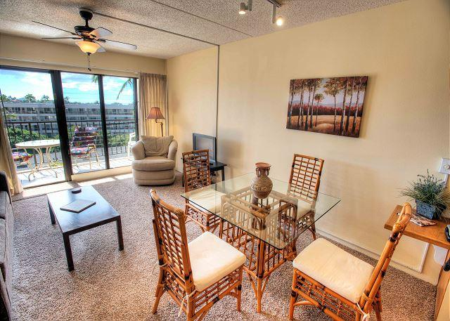 FALL SPECIALS! Convenient and Cozy Top Floor Condo at Kihei Akahi. - Image 1 - Kihei - rentals