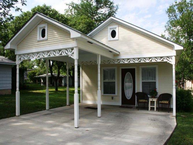 Gingerbread House - Image 1 - Fredericksburg - rentals