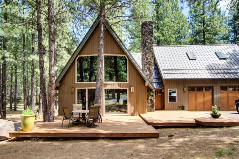 Black Butte Ranch Spring Home on 1/2 Acre - Image 1 - Black Butte Ranch - rentals