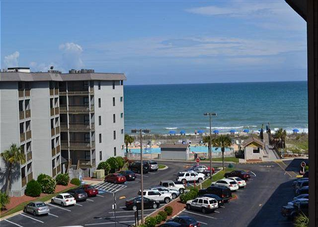 Myrtle Beach Resort B527 | Charming Condo with Full Kitchen & Indoor pool - Image 1 - Myrtle Beach - rentals