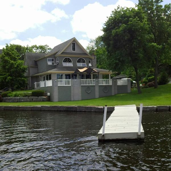 Summer Living at its finest - Thousand Island Estate -St.Lawrence River Property - Alexandria Bay - rentals
