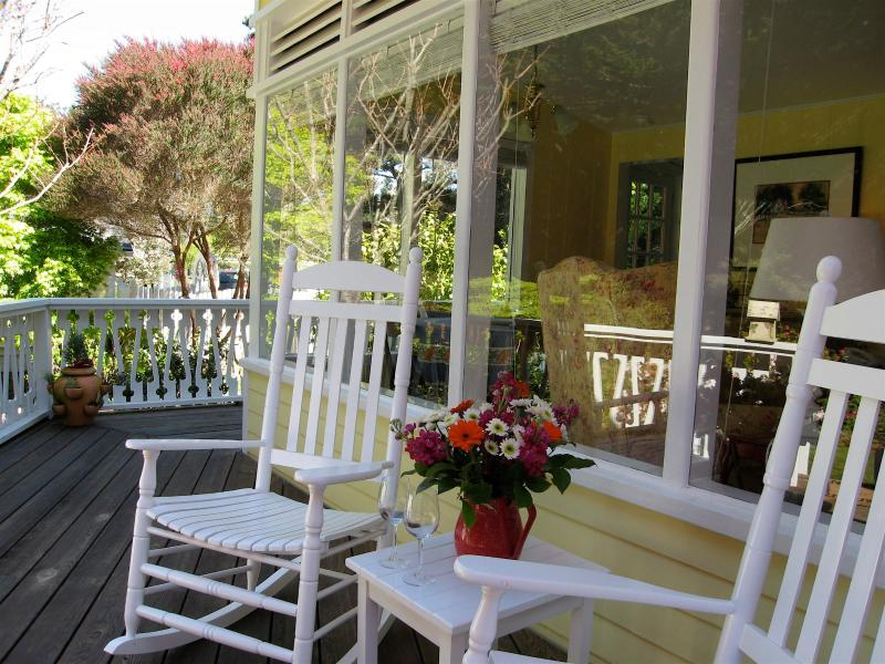 Welcome to The Larkin Cottage! - Quiet, Cozy, Romantic Cottage 3 minutes from the village of Mendocino! - Mendocino - rentals