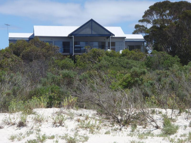 The Deck, Island Beach, Kangaroo Island - Image 1 - South Australia - rentals