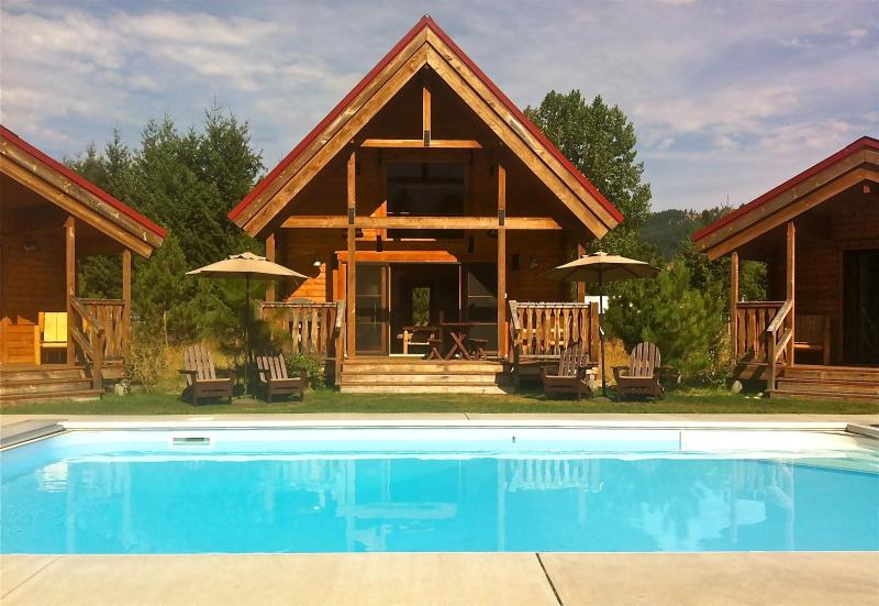 Heated Pool in Summer - Icicle Camp, Pool, Hot Tub, Wi-Fi, Serene Views - Leavenworth - rentals