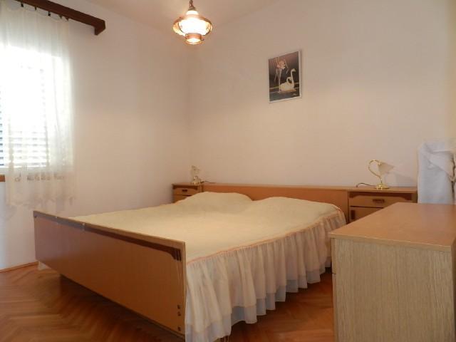 Apartments Svetin - 22301-A2 - Image 1 - Grebastica - rentals