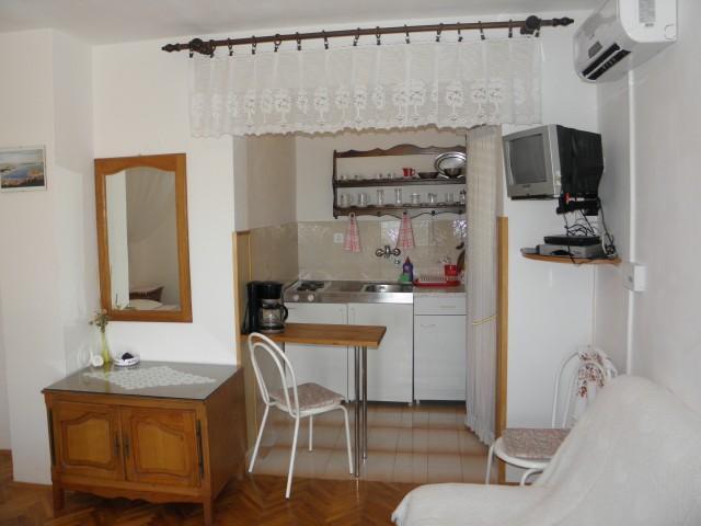 Apartments Slavka - 26401-A2 - Image 1 - Tribunj - rentals