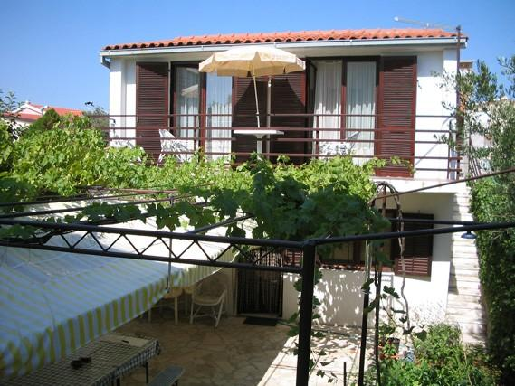 Apartments Viktor - 27291-A5 - Image 1 - Rogoznica - rentals