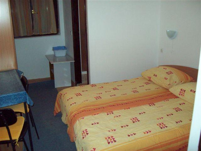 Apartments Viktor - 27291-S1 - Image 1 - Rogoznica - rentals
