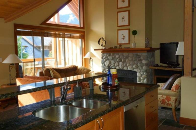 Open plan living area with spectacular mountain views. - Montebello Luxury Townhome - Whistler - rentals