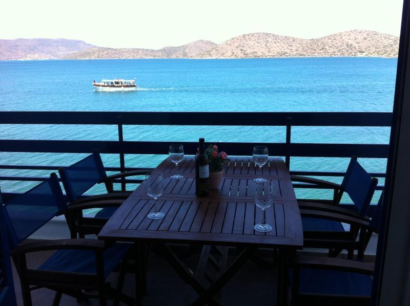 Sea-front 2-bedroom Apartment (for 5 guests) - Image 1 - Elounda - rentals