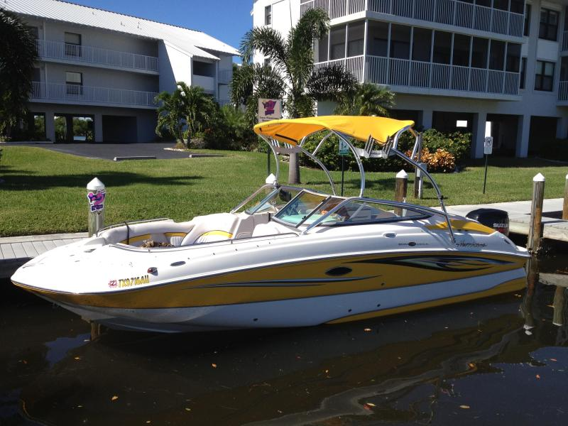 Boat Hurricane 2400 OB 250 HP Suzuki - This Home has it all, Great Location, Boat, sleep - Cape Coral - rentals