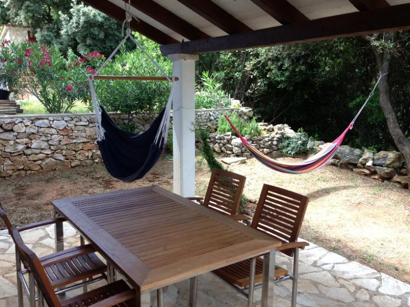 Apartment - Back Yard - Sveti Jakov – a hidden place for a great vacation - Nerezine - rentals
