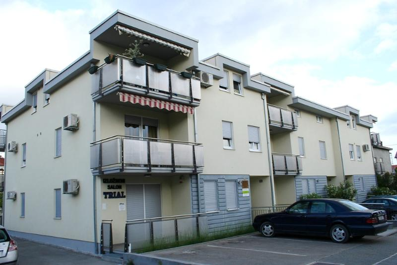 Building Exterior - Apartment Luna - Kastel Stari - rentals