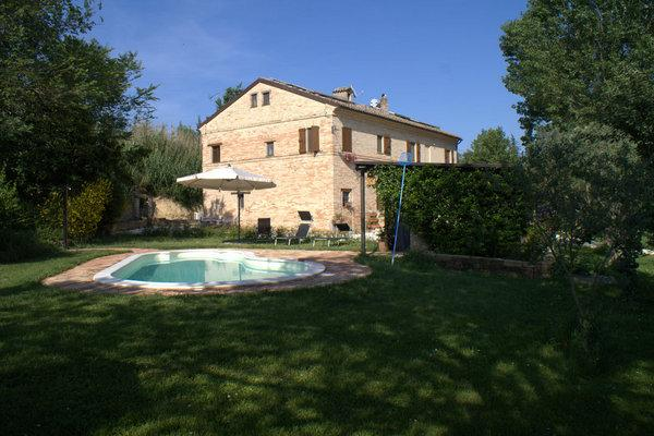 B&B in Marche with pool, near the sea and mountain - Image 1 - Macerata - rentals