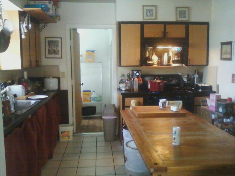 Kitchen-Laundry Room Beyond - Cook & Eat Anytime - Coral Gables: Safest, Coolest Place In Miami! - Coral Gables - rentals