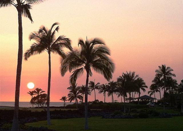 Sunset from Lanai - Hali'i Kai 10E - Ocean, Golf & Sunset Views, Close to Pool - Waikoloa - rentals