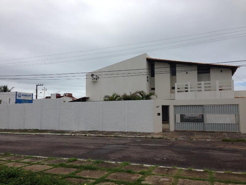 Aracaju praia de Atalaia house 4 bedrooms - Image 1 - Aracaju - rentals