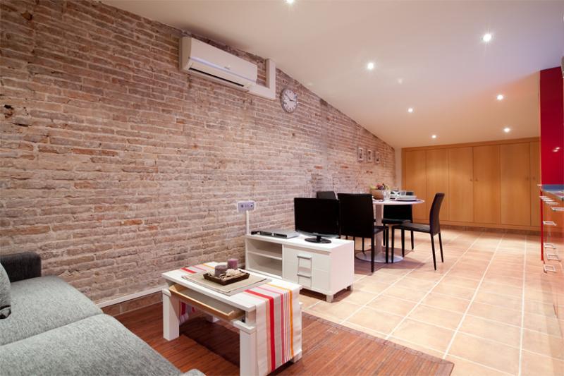 Guardia Atico - Image 1 - Barcelona - rentals