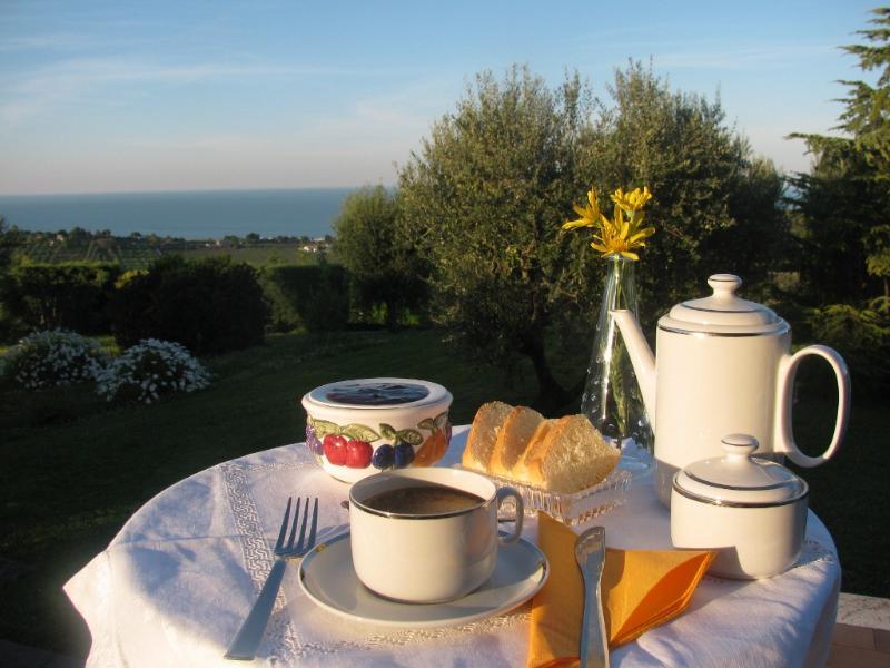 B&B L'INFINITO affittacamere, mare, vacanze, cultura - Image 1 - Civitanova Marche - rentals