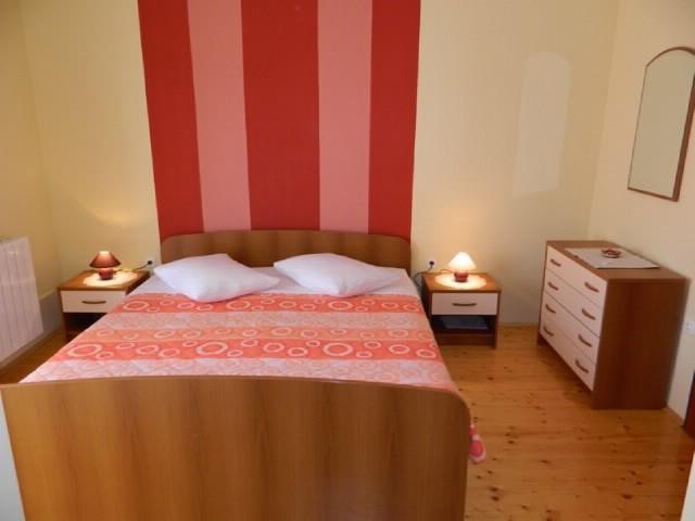 APARTMENT AND ROOMS JASMINKA - 67881-S2 - Image 1 - Vrbnik - rentals