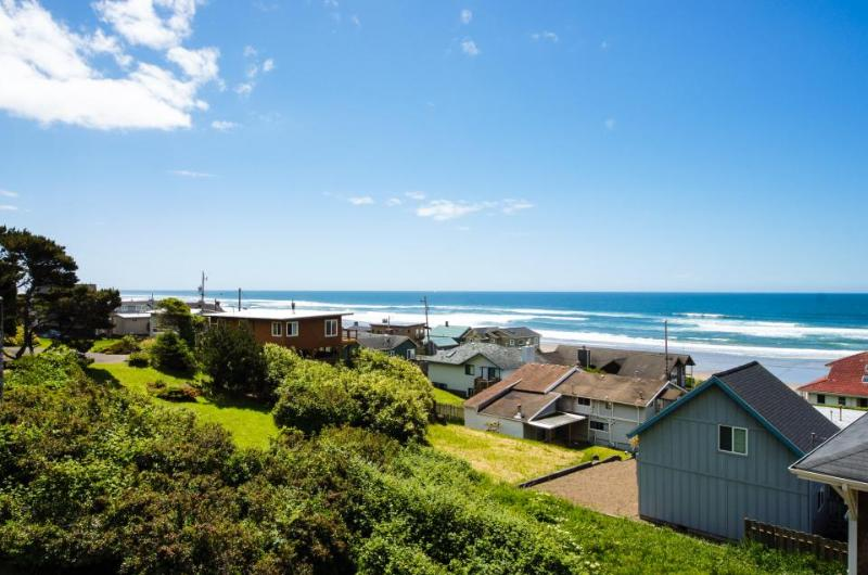Ocean view home w/ a private hot tub & two decks, 200 feet from beach access! - Image 1 - Lincoln City - rentals