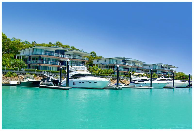 Pavillions 3 Overlookikng Hamilton Island Marina - Pavillions 3 Luxury Waterfront Apartment Hamilton - Hamilton Island - rentals