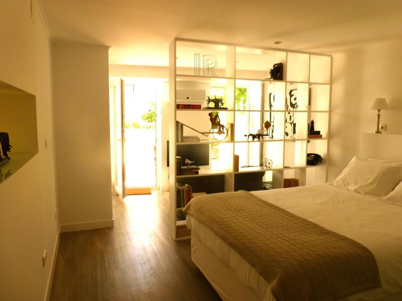 Very bright and sunny bedroom - Superb flat with terrace/Central Lisbon - Lisbon - rentals