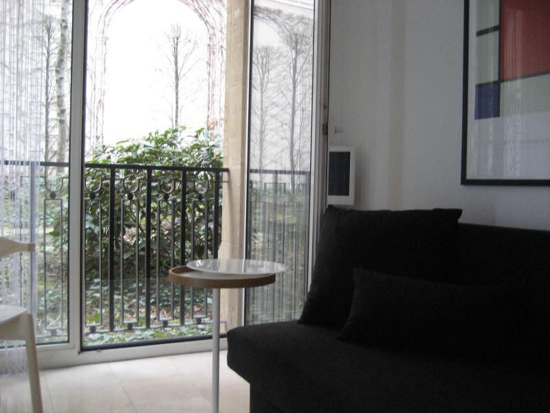 Arc de Triomphe Apartment Rental with Lovely Garden View - Image 1 - Paris - rentals