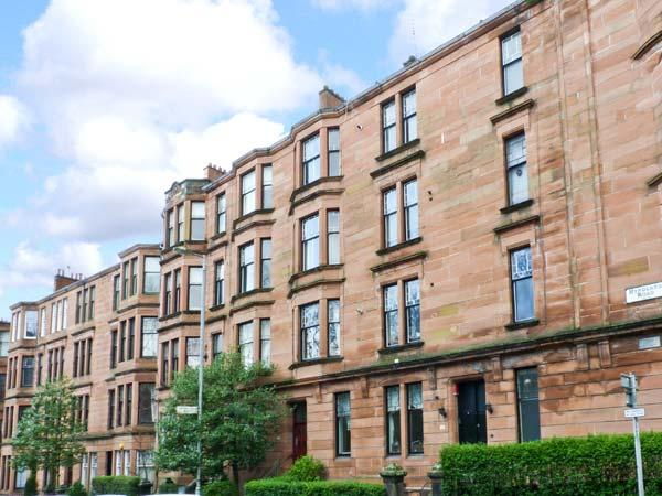 WEST END APARTMENT second floor apartment, three double bedrooms, close to city amenities in Glasgow, Ref 23349 - Image 1 - Glasgow - rentals