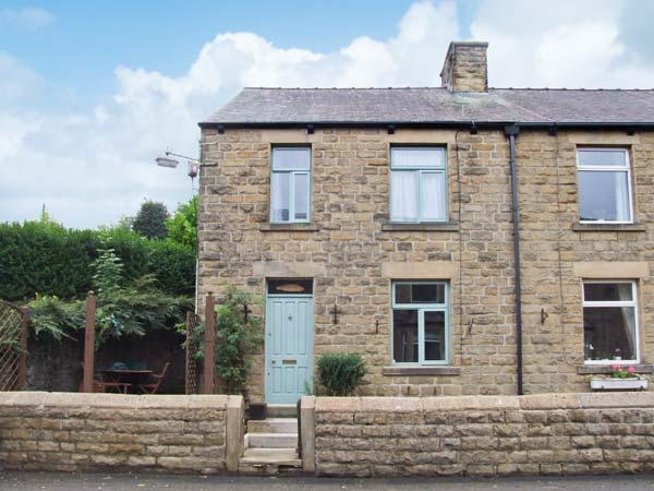 ROSSKEEN, cottage in popular village, open fire, patio and deck, amenities close, Tideswell Ref 22019 - Image 1 - Tideswell - rentals