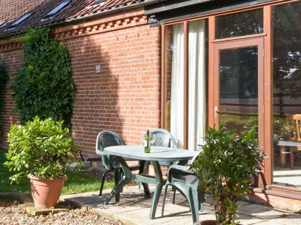 SYCAMORE single-storey, family-friendly, in Fakenham Ref 24359 - Image 1 - Fakenham - rentals