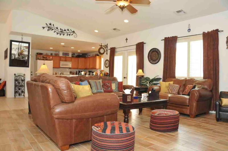 Moroccan style living room - Rock Garden Retreat - 3 BR/2 BA Luxury Home & Pool/Jacuzzi - Cathedral City - rentals